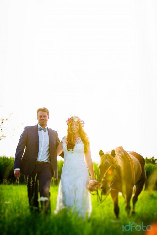 AFTER WEDDING SHOOTING – AUF DEM PFERD IM HOCHZEITSKLEID